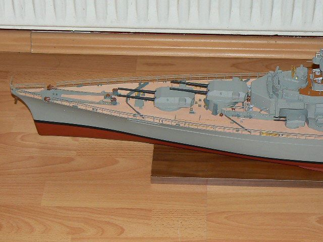 huge Bismarck Model 1:200 with detailed Parts ca. 130cm built and colored by the owner of http://modeltrainfigures.com