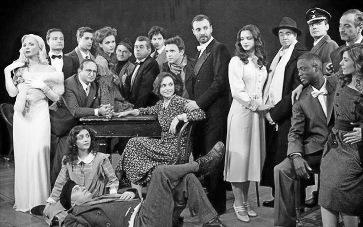"http://www.catisart.gr/index.php/2010-03-28-10-49-51/3156-2015-04-30-00-03-14.html Άρθρο: Εντίθ Πιάφ. Επιστροφή στη σκηνή του θεάτρου ""Κοτοπούλη"" ύστερα από 69 χρόνια… #eleonorazouganeli #eleonorazouganelh #zouganeli #zouganelh #zoyganeli #zoyganelh #elews #elewsofficial #elewsofficialfanclub #fanclub #edith #piaf #edithpiaf #πιαφ #εθνικόθέατρο #θέατρο #ethnikotheatro #nationaltheatre #greece"