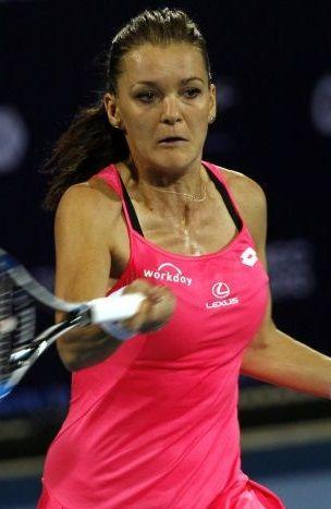 Radwańska przywitała się z Australią. Była w opałach, jest w II rundzie - http://sport.tvn24.pl/tenis,115/australian-open-radwanska-pokonala-mchale-awansowala-do-ii-rundy,611521.html