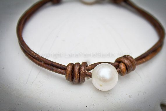 Leather pearl bracelet - pearl leather jewelry - leather bracelet with white pearl - seaside