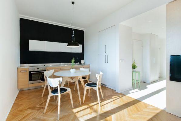 Světlo a jednoduchost - rekonstrukce bytu pro mladý pár
