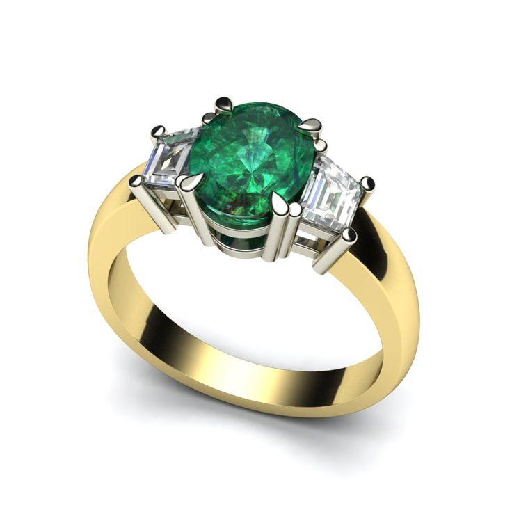 Ring met smaragd en twee trapezium geslepen diamanten