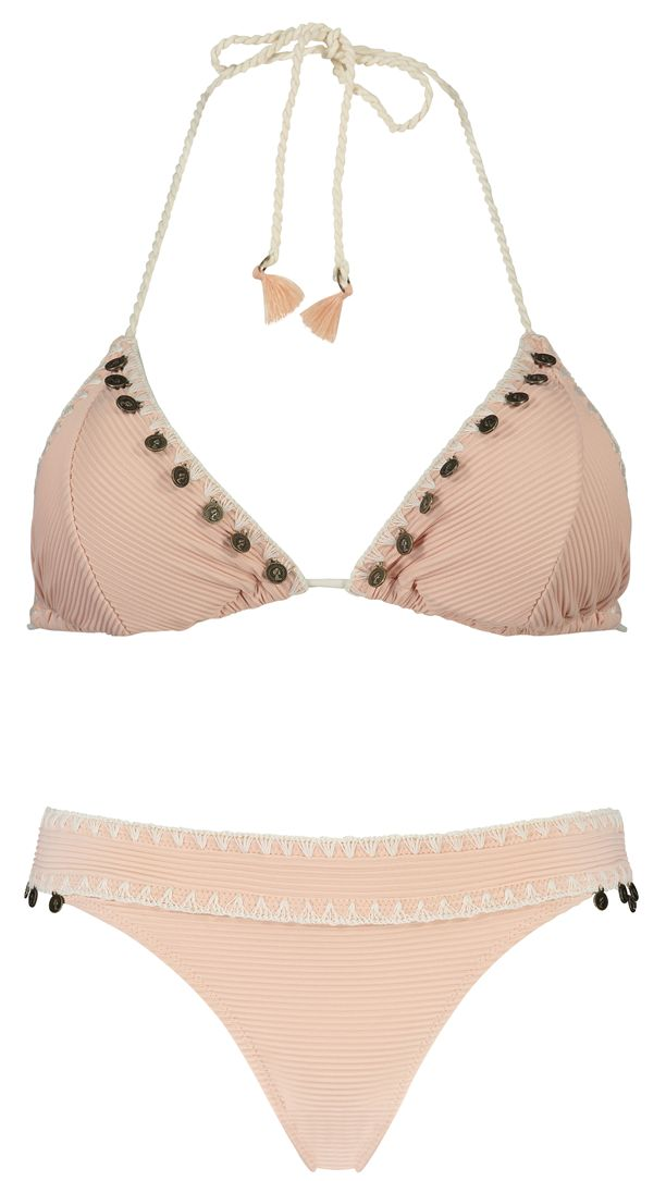 Get into Ibiza style this summer. This triangle bikini top is finished with coins along the edges. Add matching items for a complete Ibiza look.  #hunkemöller #bikini #swim #ootd #fashion #swimwear #musthaves