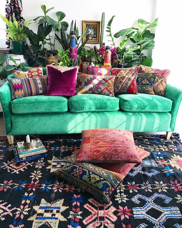 The light is kissing everything in here this morning ✨ And when I said that I was drowning in cushions, I WAS NOT KIDDING! BUT, I'm going to sit in my studio for a second & just enjoy this gorgeous, patternful, delicious scene. Our Goddess Harmonia black boujaad beauty is on the floor, all vintage kilim cushions will be hitting the store soon (I have been photographing for dayyyyyyys lol)