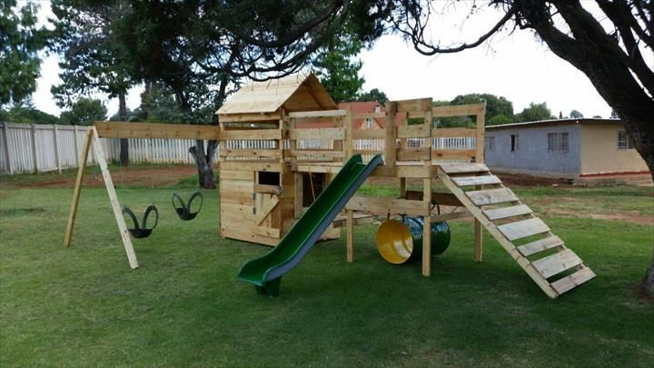 DIY Reclaimed Pallet Jungle Gym / Pallet Playhouse | 99 Pallets