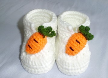 Handmade newborn baby shoes 0-6 months only US$8.98 with free delivery worldwide.