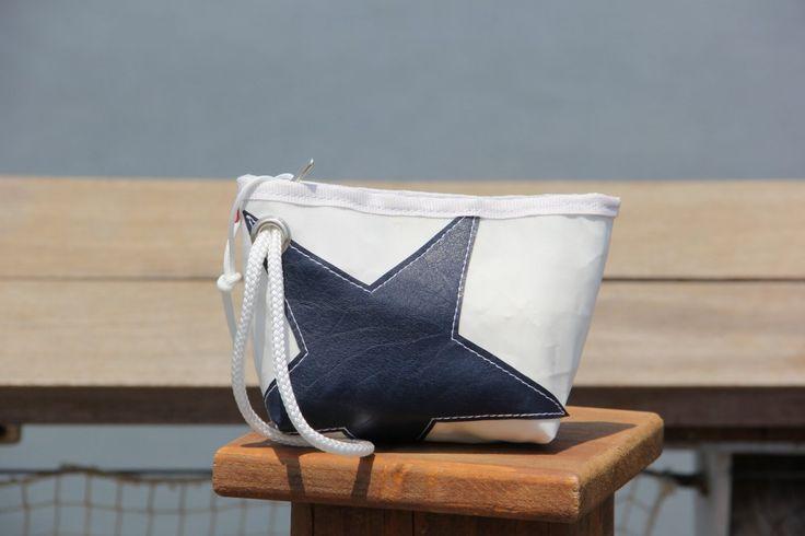 Pochette in vela riciclata con stella blue    #pochette #clutch #sail #vela #handmade #stella #star #unique #artigianato #upcycling #riciclo #recycled #sailbags