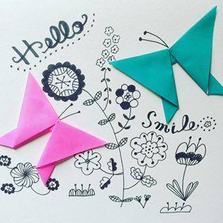ヒラヒラ〜。 まだまだ暑いけど庭でチョウチョを見るとニコってなる(^.^) #ちょうちょ #おりがみ #butterfly #origami…