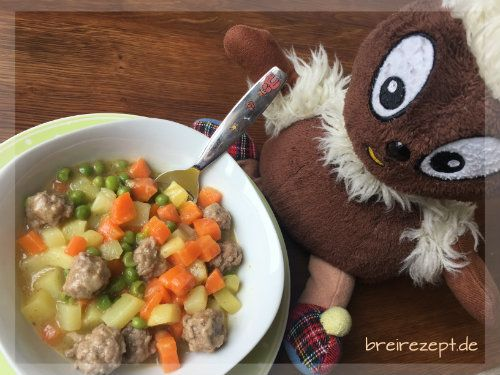 Gemüseeintopf mit Fleischbällchen gehört zu unseren neuen Leibgerichten und eignet sich sogar schon für das Baby. Kartoffeln, Möhre, Erbsen und Hackfleisch machen diese Suppe deftig und aromatisch und ihr Rezept ist wirklich einfach: http://www.breirezept.de/rezept_gemueseeintopf_mit_fleischbaellchen.html