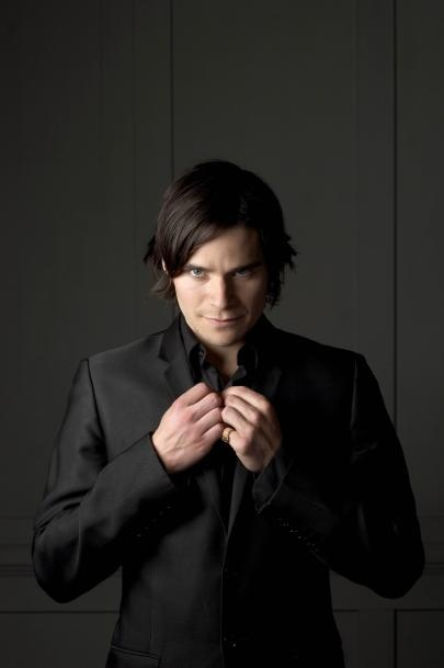 The incredibly sultry, Hans Matheson... <3