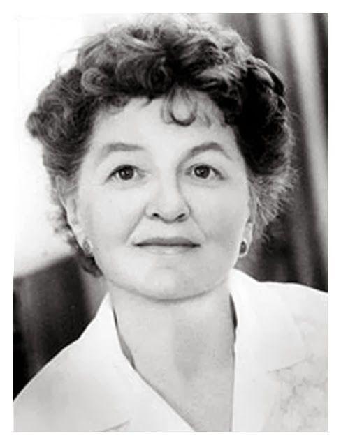 Pamela Lyndon Travers (eredeti neve: Helen Lyndon Goff, Ausztrália, Maryborough, 1899. (más adatok szerint: 1906.) augusztus 9. – London, 1996. április 23.)