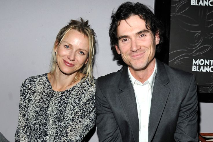 Love is in the air on Netflix. Naomi Watts and Billy Crudup, who star as husband and wife on the series Gypsy, are now dating in real life, a source confirms to PEOPLE.