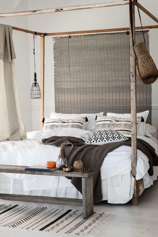 Merveilleux Une Chambre à Coucher De Style Ethnique Chic Aux Tons Neutres Lit Baldaquin  à Inspiration Africaine #coastalhomes #coastal #style #home