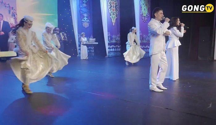 Фидарис и Рузалия Муртазины - Концерт (1часть) http://tatbash.ru/tatarskie/kontserty/5028-fidaris-i-ruzaliya-murtaziny-kontsert-1chast