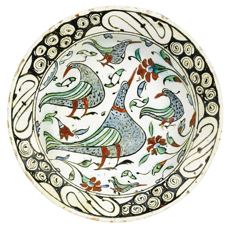 An Iznik polychrome pottery dish with birds, Turkey, circa 1600 | Lot | Sotheby's