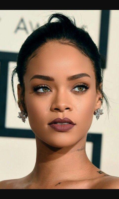 Les 25 meilleures id es de la cat gorie metisse yeux vert sur pinterest metisse girl b b s - Rihanna poids taille ...