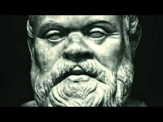 Bild:www.youtube.com  Sokrates war ein klassischer griechischer Philosoph, der als einer der Gründer der westlichen Philosophie eingestuft wurde. Er ist eine rätselhafte Gestalt, die vor allem durch die Konten klassischer Schriftsteller bekannt ist, vor allem die Schriften seiner Schüler Platon u