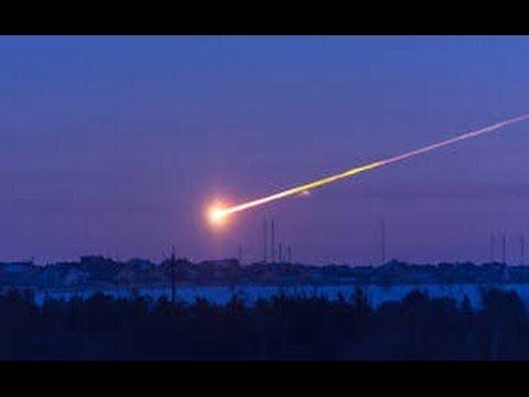 Уникальные кадры. Падение метеорита в озеро Байкал - YouTube