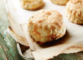 Garlic Cheddar Biscuits #CDNcheese #simplepleasures These look great!