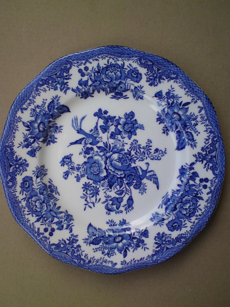 25 best wedgewood blue plates images on pinterest for Wedgewood designs