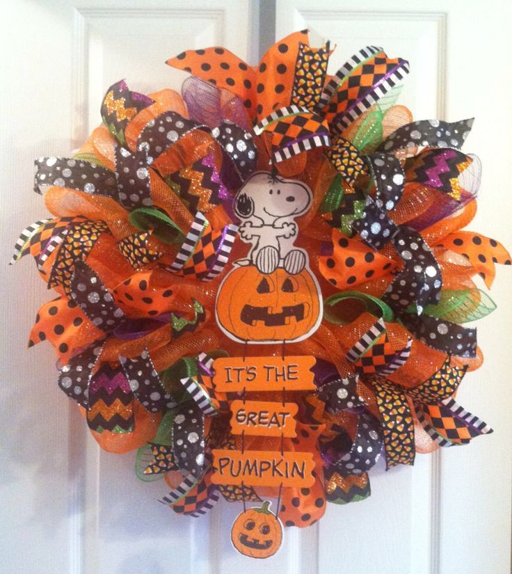 Halloween Wreath/ Snoopy Halloween Wreath/ Halloween Deco Mesh Wreath/ Peanuts Halloween Wreath by Wreaths4u2byPaula on Etsy https://www.etsy.com/listing/250300729/halloween-wreath-snoopy-halloween-wreath