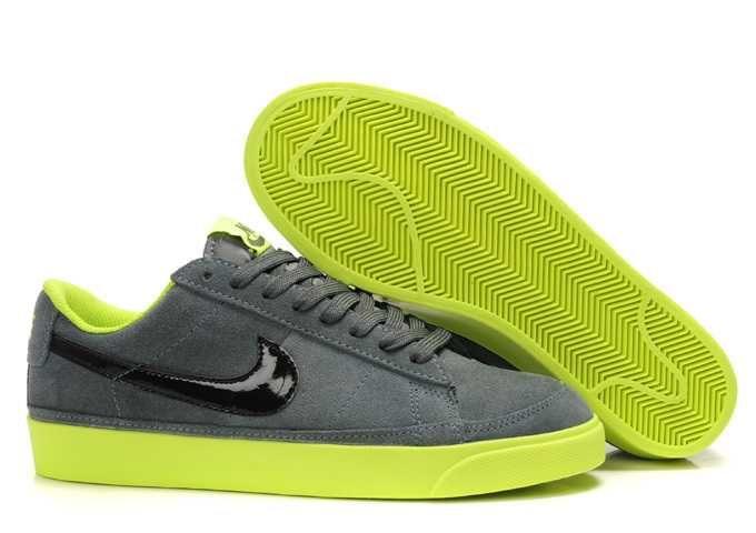 official photos 14a12 b9303 Air Jordan, Jordan Shoes, Nike Tn, Vintage Nike, Footlocker, Green And  Grey, Green Shoes, Suede Shoes, Lowes