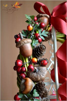 Natural Fall Wreath by Zubiju Craft a fall wreath this season with a little help from nature.