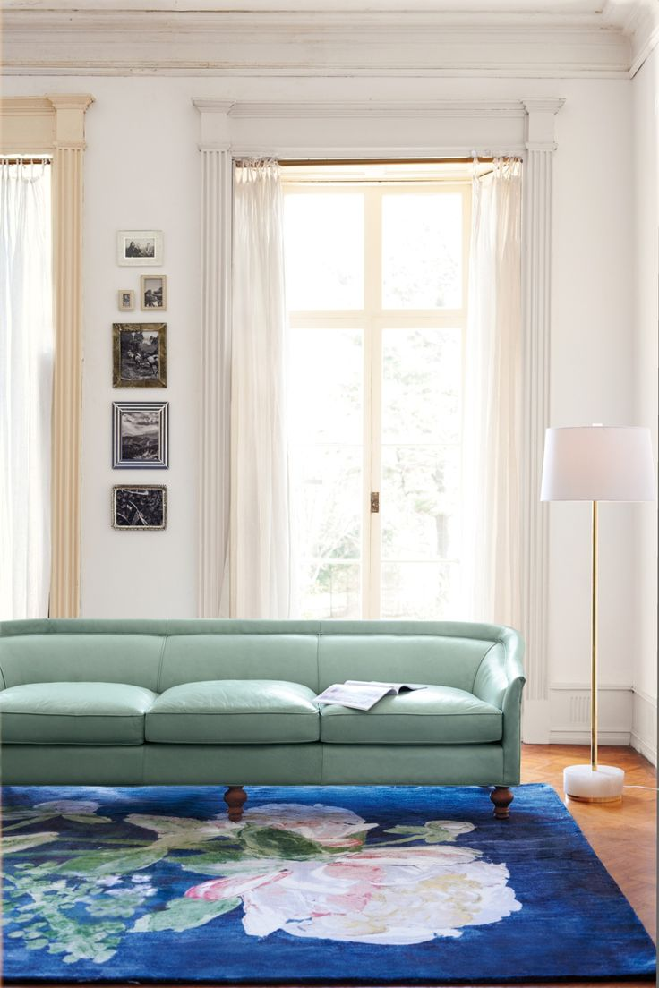 Premium leather holloway sofa anthropologie for Anthropologie living room ideas
