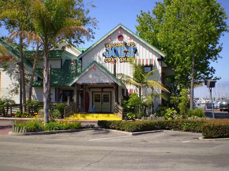 https://flic.kr/p/pLKMwT | Joe's Crab Shack | Joe's Crab Shack is a touristy seafood restaurant located in Alamitos Bay.