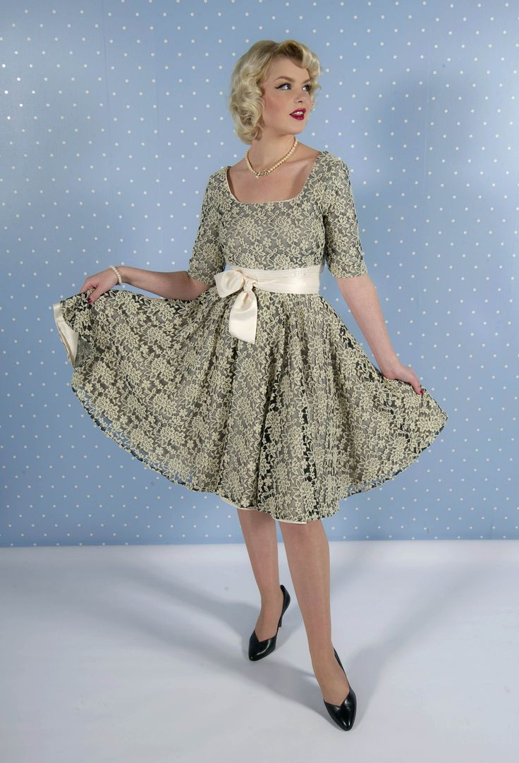 8 best Vintage Dress Pattrns images on Pinterest | Sewing patterns ...
