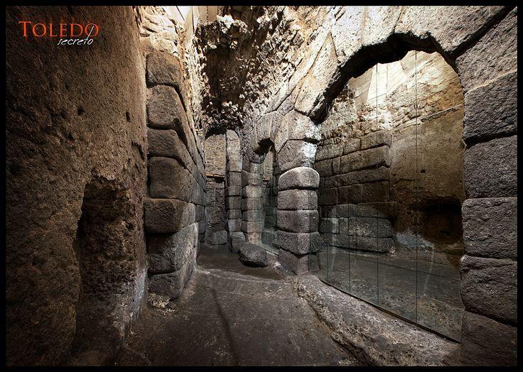 La Cueva de Hércules bajo tierra en #Toledo, #España. Foto de David Utrilla para Toledo Secreto (2012)