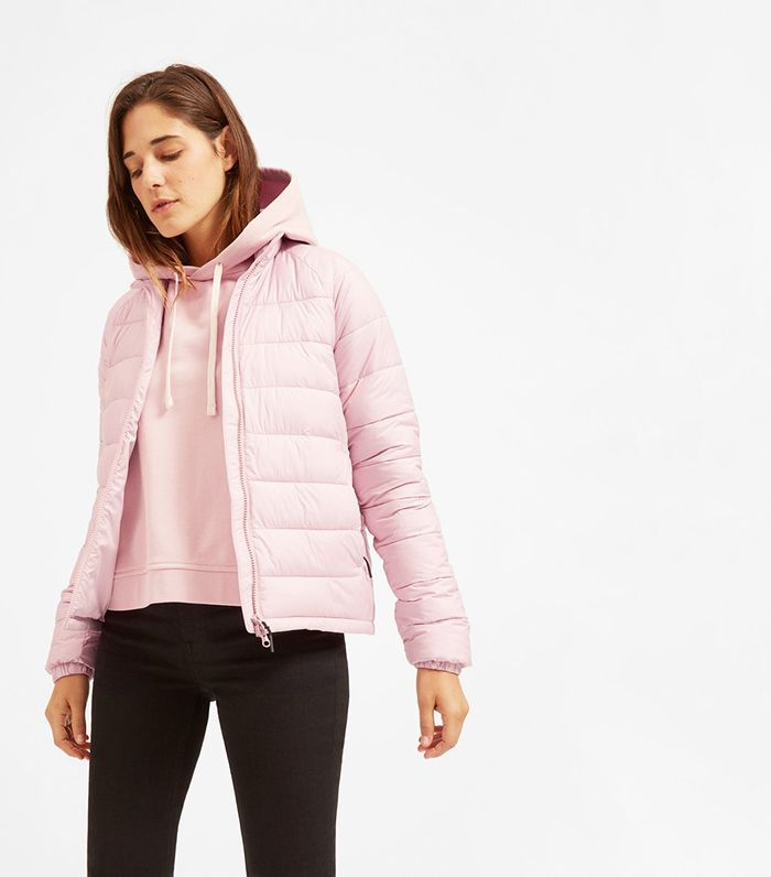 Everlane Makes Puffers Now And They Re Seriously Chic Find Out Why They Re Paycheck Worthy Here With Images Jackets Puffer Jackets Everlane