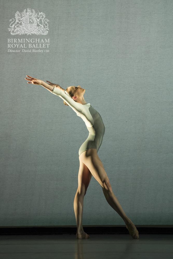 Birmingham Royal Ballet in 'Faster'; Jenna Roberts; Photo: Bill Cooper