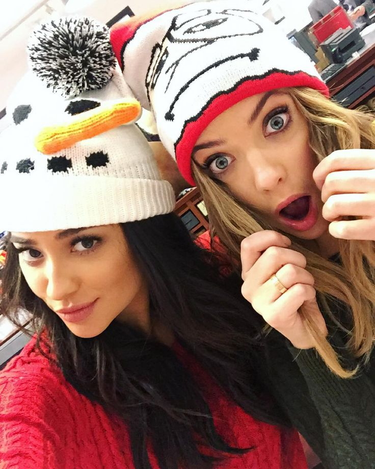 41 Photos of the Pretty Little Liars Girls That Will Give You Serious Squad Envy