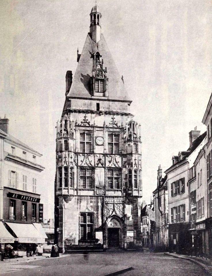 The Hotel de Ville, Dreux