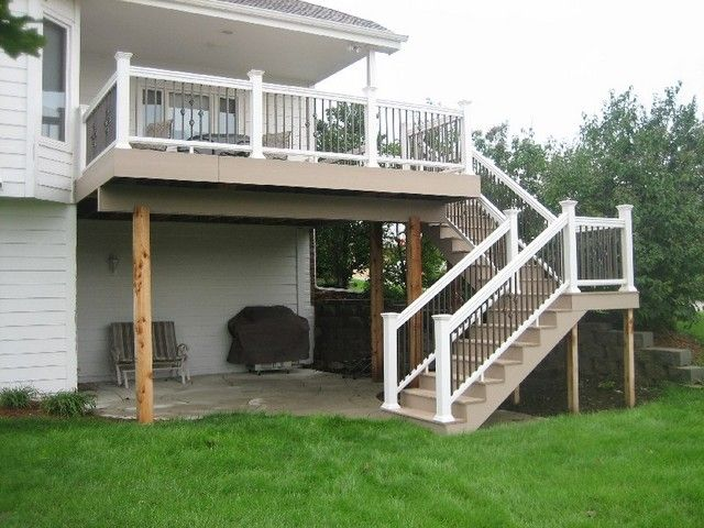 Elevated Deck In White With Landing And Pad In White