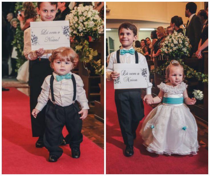 Dama | Pajem | Casamento | Wedding | Daminha | Dama de Honra | Roupa para Dama de Honra | Daminha com Rosas | Roupa de Daminha | Roupa de Pajem | Inesquecível Casamento | Plaquinhas divertidas