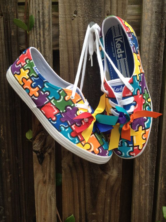 Custom HandPainted Autism Awareness Sneakers / Shoes by erinbearin #autism #autizmus #oautizme #moda #fashion