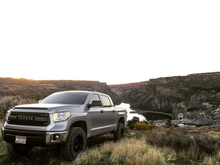 2016 Toyota Tundra Crewmax TRD Off-Road w/ Kings, Camburg, and Icon  Sunset over Snake River in Twin Falls, Idaho
