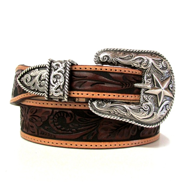 I am def in need of some new western belts. I don't really want studded ones anymore but I love these with the silver buckle and beautiful leather work.