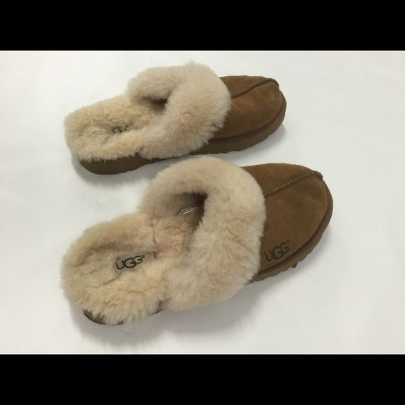 Youth Ugg Slippers 5236, size 3 Youth UGG slippers, size 3 in great condition. SN 5236. Little signs of use on toe. Very clean and very little wear on sole. UGG Shoes Slippers
