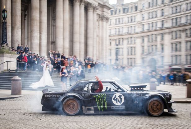 The Top Gear Cenotaph Stunt Footage Will Not Be Used In TV Show Some confusing video sequences, captured by a witness, have reached the internet, showing Matt LeBlanc, Top Gear's host, with Ken Block, the famous racer, driving an 845 bhp Hoonicorn Mustang very close to the British war monument, called Cenotaph. The video also includes some special London...