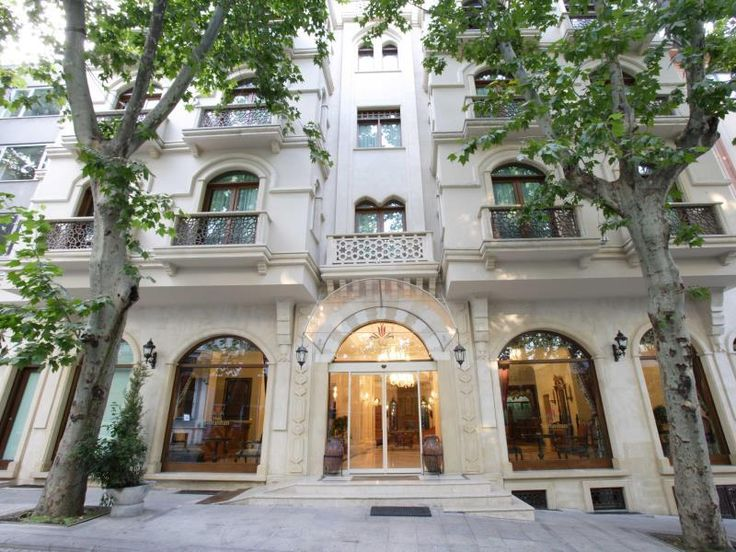 Istanbul Hotel Sultanhan Special Category Turkey, Europe Hotel Sultanhan Special Category is conveniently located in the popular Sultanahmet area. The hotel offers a wide range of amenities and perks to ensure you have a great time. All the necessary facilities, including free Wi-Fi in all rooms, 24-hour security, daily housekeeping, photocopying, taxi service, are at hand. Television LCD/plasma screen, air conditioning, heating, wake-up service, desk can be found in selected ...