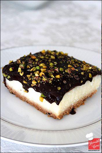 Çikolata Soslu & İrmikli Tatlı