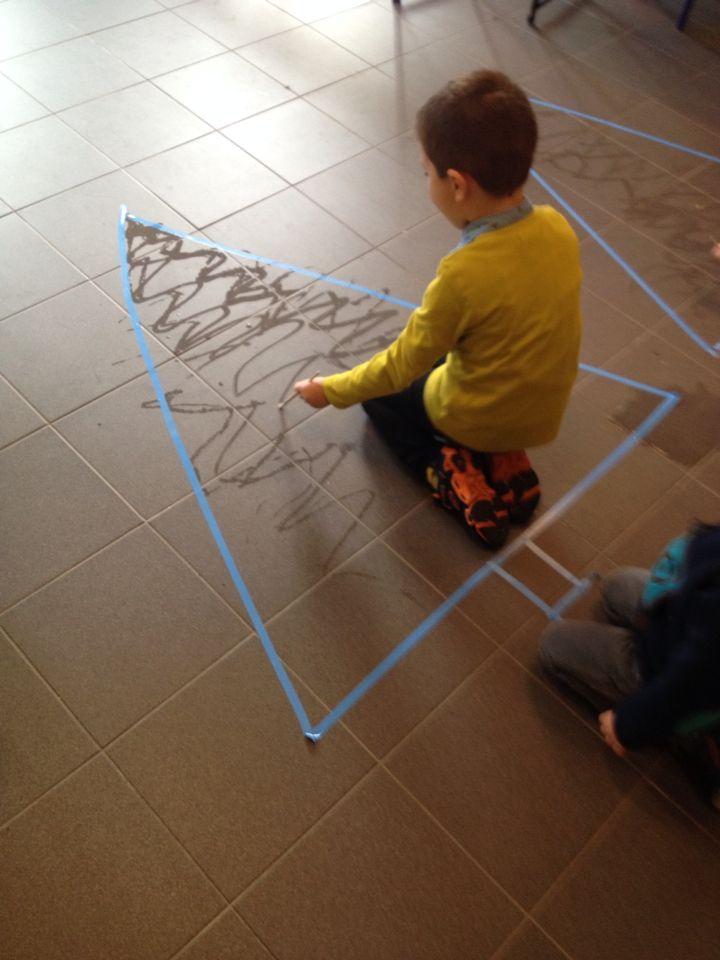 Schilderen met water op de grond - schrijfdans Kerst