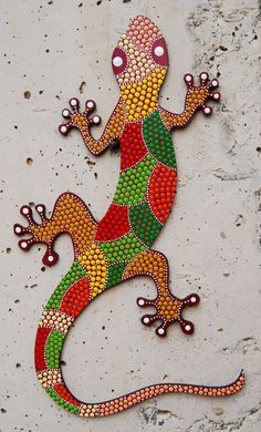 Lagarto gecko en mdf G-07 puntillismo decoración por Mandalaole