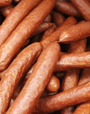 Make your own award-winning hot dogs. This a great recipe that even includes smoking instructions. #SausageMaking