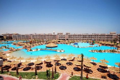 Albatros Palace Resort  Luksuriøst hotelresort i charmerende, eventyrlig byggestil    Læs mere: http://www.falklauritsen.dk/da/rejsemaal/afrika/egypten/hurghada/accomodations/pages/hotelalbatrospalaceresort.aspx