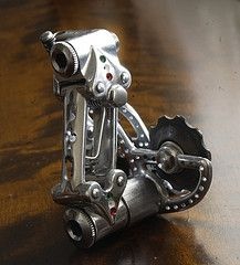 how to put a derailleur back on