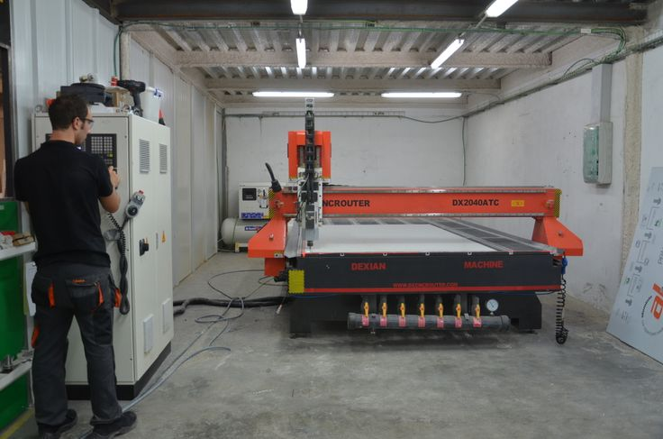 Nuestros más avanzados equipos y herramientas para realizar los más avanzados diseños www.luminososmca.com